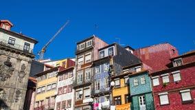 Προσόψεις των παλαιών σπιτιών στο κέντρο του Πόρτο, Πορτογαλία Στοκ εικόνες με δικαίωμα ελεύθερης χρήσης