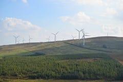 Προφθάνοντας ισχυροί άνεμοι αιολικών πάρκων στοκ εικόνες με δικαίωμα ελεύθερης χρήσης