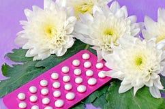 Προφορικά αντισυλληπτικά χάπια. Στοκ Φωτογραφίες