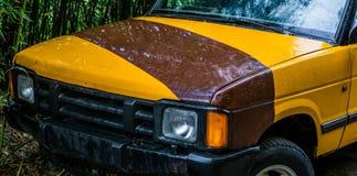Προφυλακτήρας αυτοκινήτων του α από το οδικό τζιπ, υπόβαθρο οχημάτων σαφάρι στοκ εικόνες με δικαίωμα ελεύθερης χρήσης