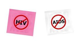 Προφυλακτικό με το λογότυπο απαγόρευσης HIV και του AIDS Στοκ Φωτογραφία