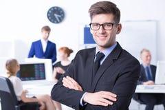 Προϊστάμενος με τους υπαλλήλους του στο γραφείο Στοκ Φωτογραφία