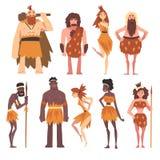 Προϊστορικοί άνθρωποι καθορισμένοι, πρωτόγονοι άνδρες εποχής του λίθου και γυναίκες στη ζωική διανυσματική απεικόνιση χαρακτήρα κ διανυσματική απεικόνιση