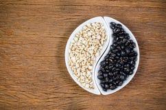 προϊόντα γεωργίας, job& x27 δάκρυα του s και μαύρα φασόλια Στοκ φωτογραφία με δικαίωμα ελεύθερης χρήσης
