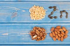 Προϊόντα και συστατικά που περιέχουν τον ψευδάργυρο και την τροφική ίνα, υγιής διατροφή, διάστημα αντιγράφων για το κείμενο στοκ φωτογραφία με δικαίωμα ελεύθερης χρήσης