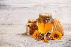 Προϊόντα μελισσουργείων στοκ εικόνες