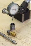 Προϊόντα μετάλλων και μέτρηση των εργαλείων Στοκ φωτογραφία με δικαίωμα ελεύθερης χρήσης