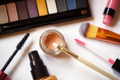 Προϊόντα ομορφιάς για την επαγγελματική τοπ άποψη σύνθεσης Στοκ Εικόνες