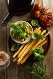 Προϊόντα της ιταλικής ή ελληνικής κουζίνας ιταλική μεσογειακή μοτσαρέλα τροφίμων bufala κορυφή VI Στοκ Εικόνα