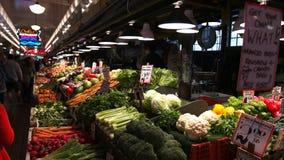 Προϊόντα φρέσκων λαχανικών στην αγορά θέσεων λούτσων φιλμ μικρού μήκους