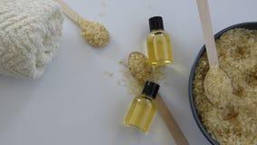 Προϊόντα φροντίδας δέρματος με την ουσία του ρυζιού απόθεμα βίντεο