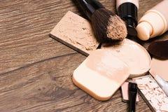 Προϊόντα Makeup για την άψογη χροιά με το διάστημα αντιγράφων στοκ εικόνα