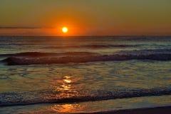 Πρωί ανατολής του Ατλαντικού Ωκεανού - ήλιου επάνω Στοκ Εικόνα