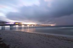 Πρωί καταιγίδας παραλιών Dania στοκ εικόνα
