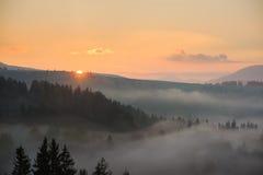 Πρωί στα βουνά Στοκ φωτογραφία με δικαίωμα ελεύθερης χρήσης