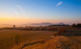 Πρωί στα κεντρικά Βοημίας υψίπεδα, Δημοκρατία της Τσεχίας στοκ φωτογραφίες
