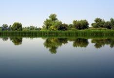 Πρωί στον ποταμό στοκ φωτογραφία με δικαίωμα ελεύθερης χρήσης