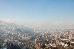 Πρωί της Misty στο Σαράγεβο, άποψη από τον κίτρινο προμαχώνα Στοκ φωτογραφία με δικαίωμα ελεύθερης χρήσης