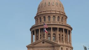 Πρωινή άποψη κινηματογραφήσεων σε πρώτο πλάνο του θόλου κρατικού Capitol του Τέξας απόθεμα βίντεο