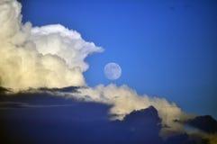 Πρωινό φεγγάρι στοκ εικόνες με δικαίωμα ελεύθερης χρήσης