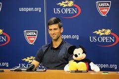 Πρωτοπόρος Novak Djokovic του Grand Slam της Σερβίας κατά τη διάρκεια της συνέντευξης τύπου Στοκ Εικόνες