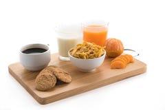 Πρόγευμα - ηπειρωτικό πρόγευμα, φρούτα, δημητριακά και πορτοκαλί jui Στοκ φωτογραφίες με δικαίωμα ελεύθερης χρήσης