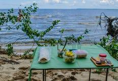 Πρόγευμα με την άποψη θάλασσας στοκ φωτογραφίες με δικαίωμα ελεύθερης χρήσης