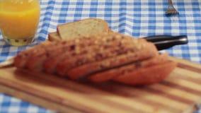 Πρόγευμα με το μπέϊκον και τα αυγά απόθεμα βίντεο
