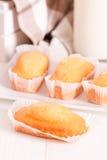 Πρόγευμα με το plumcake Στοκ φωτογραφία με δικαίωμα ελεύθερης χρήσης