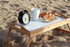 Πρόγευμα στην παραλία Στοκ Εικόνες