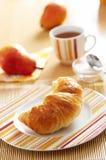 πρόγευμα τα croissant γαλλικά Στοκ φωτογραφία με δικαίωμα ελεύθερης χρήσης