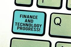 Πρόοδος χρηματοδότησης και τεχνολογίας κειμένων γραψίματος λέξης Επιχειρησιακή έννοια για τις οικονομικές επιχειρησιακές στρατηγι στοκ φωτογραφίες με δικαίωμα ελεύθερης χρήσης