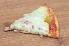 πρόσθεσε όλη την εύκολα editable eps8 pepperoni στρωμάτων αρχείων πίτσα χωριστή Στοκ Φωτογραφίες