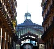 Πρόσοψη αντεγμένης αγοράς της Βαρκελώνης στο arcade Στοκ Εικόνα