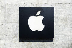 Πρόσοψη Βερολίνο καταστημάτων της Apple Computer Στοκ Εικόνες