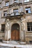 Πρόσοψη ενός αρχαίου κτηρίου στη Δρέσδη Γερμανία στοκ φωτογραφίες