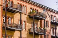 Πρόσοψη ενός κατοικημένου κτηρίου Στοκ φωτογραφίες με δικαίωμα ελεύθερης χρήσης
