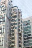 Πρόσοψη ενός κτηρίου, αντανάκλαση στο γυαλί Στοκ Εικόνες