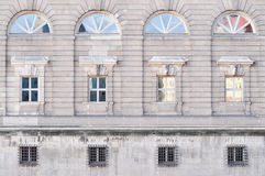 Πρόσοψη ενός κτηρίου στο Βερολίνο Γερμανία Στοκ εικόνα με δικαίωμα ελεύθερης χρήσης