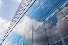 Πρόσοψη ενός κτιρίου γραφείων Στοκ φωτογραφίες με δικαίωμα ελεύθερης χρήσης