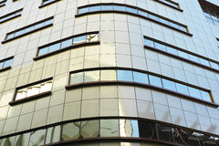 Πρόσοψη κτιρίου γραφείων ουρανοξυστών Στοκ εικόνες με δικαίωμα ελεύθερης χρήσης