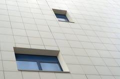 Πρόσοψη με τα μπλε παράθυρα στοκ εικόνες