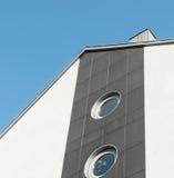 Πρόσοψη με το στρογγυλό παράθυρο Στοκ εικόνα με δικαίωμα ελεύθερης χρήσης