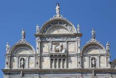 Πρόσοψη να ενσωματώσει τη Βενετία Ιταλία με το λιοντάρι φτερωτό Στοκ φωτογραφία με δικαίωμα ελεύθερης χρήσης
