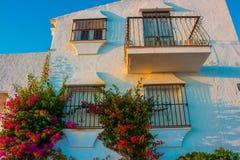 πρόσοψη Παραδοσιακή ισπανική αρχιτεκτονική Στοκ εικόνα με δικαίωμα ελεύθερης χρήσης