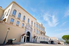 Πρόσοψη παλατιών του πρίγκηπα του Μονακό σε μια θερινή ημέρα Στοκ εικόνα με δικαίωμα ελεύθερης χρήσης