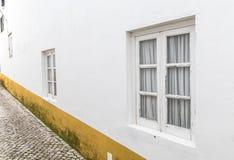 Πρόσοψη σπιτιών λαβής Στοκ φωτογραφίες με δικαίωμα ελεύθερης χρήσης