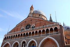 Πρόσοψη της βασιλικής του ST Anthony στην Πάδοβα στο Βένετο (Ιταλία) Στοκ Εικόνα