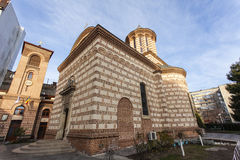 Πρόσοψη της παλαιάς πριγκηπικής εκκλησίας δικαστηρίου στο Βουκουρέστι, Ρουμανία στοκ φωτογραφίες