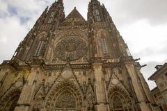 Πρόσοψη του καθεδρικού ναού του ST Vitus, Κάστρο της Πράγας, Δημοκρατία της Τσεχίας στοκ εικόνες με δικαίωμα ελεύθερης χρήσης